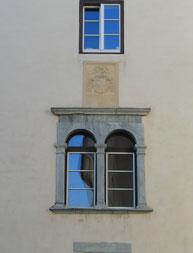 Rundbogenfenster aus dem 16. Jahrhundert.