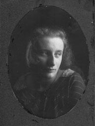 Lessie Sachs 1919