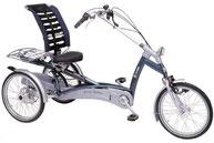 Dreirad mit Sitzfläche und niedriger Sitzlage