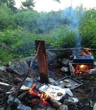 Lagerfeuerküche beim Wilde Weiber Almcamp | www.brot-und-leben.at
