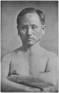 Funakoshi Gichin (1868-1957), père du style Shotokan.
