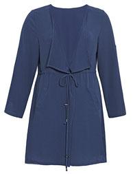 Bouclé-Kurz--Mantel in blau in großen Größen,  Kettenverzierung als Dekor