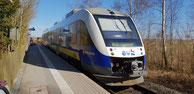 Alstom Coradia LINT der evb aus dem Fahrzeugpool der Landesnahverkehrsgesellschaft Niedersachsen im Bahnhof Wremen, RB33 -> Cuxhaven