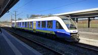 evb VT112 Alstom Coradia LINT der evb aus dem Fahrzeugpool der Landesnahverkehrsgesellschaft Niedersachsen im Bahnhof Bremerhaven Hauptbahnhof RB33 -> Cuxhaven