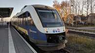 evb VT110 Alstom Coradia LINT der evb aus dem Fahrzeugpool der Landesnahverkehrsgesellschaft Niedersachsen im Bahnhof Cuxhaven, RB33 -> Buxtehude