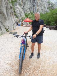 Diesmal auch mit dem Fahrrad hinein in die Schlucht!
