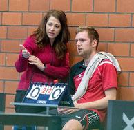 Beim TTC wird sich geholfen. Martina Krengel coacht Nico Beck.