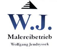 Das logo der Firma.  Den Kopf des Logos bildet eine Pyramide   schwarz weiß gestreift darunter die Initialen W.J. die für Wolfgang Jendryssek stehen Farbton blau