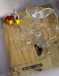 """Bénédicte Montoy signe d'expressives sculptures autour du """"système""""."""