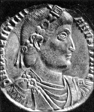 Kaiser Valentinian I. auf einer römischen Münze.