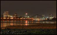 Rheinufer Düsseldorf, Blick auf den Medienhafen