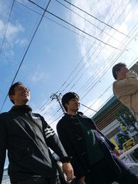 太田、遠藤、そして案内人を努めてくれた秋元運輸倉庫の小林さん。