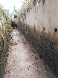 農業用水路の泥出し