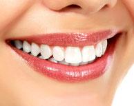 Strahlendes Lächeln weiße Zähne