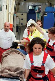 Rettungswagen bei einer Rettungsübung