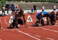 Kwasi Asante Ofosu beim Start 100m