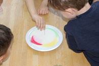 5. Mit Spüli Fett & Farbe verjagen