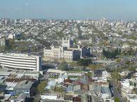 Montevideo vom Torre Antel -vorne mit dem Turm das Palacio Legislativo - unserer wichtigsten Bushaltestelle