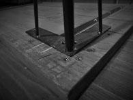 鉄脚取り付け容易なナット埋め込み