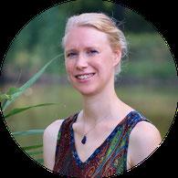 Camilla Harfmann, Natur-Erlebnispädagogin, Lebens- und Sozialberaterin (Psychologische Beratung) in Ausbildung unter Supervision, Bürmoos, Salzburg, Österreich