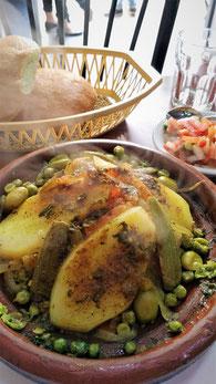 <写真:タジン料理>地元の人から聞いた美味しいレストをご案内致します。