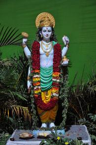 Dank an Dhanvantari für die Kraft der Pflanzen!