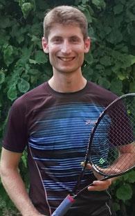 Porträt-Foto Sebastian Scherer_Gründer und Leiter Tennisschule-Scherer