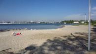 Genau hier fängt der kilometerlange Strand Neustadts an.