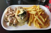 鶏とシャンピニオンのパイケース詰め Vol au vent de volaille
