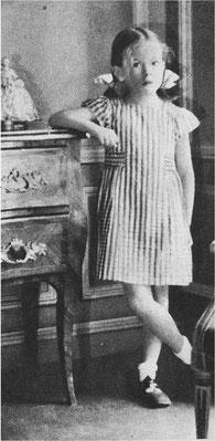 Cécile Aubry à 7 ans dans le salon où elle est née