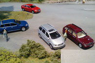 Modellautos im Maßstab 1:87 als Gestltungsmuster für eine Modelleisenbahn