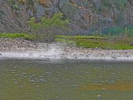 Thermalquellen im Fluss