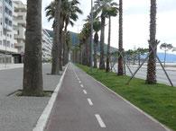 Vlore, Radweg an Promenade