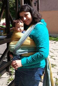 как да облечем бебето при бебеносене