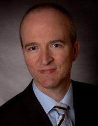 Der Kieler Mathematikprofessor Uwe Jensen forscht zu Glück und Zufriedenheit. Foto: privat