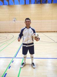 Fußball Künstler - Saki begeisterte mit seinem Aussehen und seiner Ballkunst