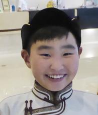 バダムサイン・ドゥルグーンくん(11歳) オルホン・コンプレクス学校