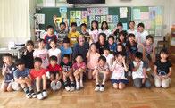 地元の谷戸第2小学校4年生100名が3クラスに分かれての切り絵制作を1年かけて完成させました。学校の四季、桃太郎の話など様々で、全校の前で発表しました