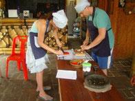 Gäste beim Kochkurs