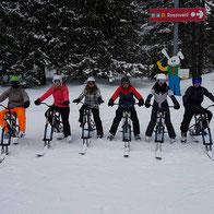 Gruppe 1 mit den Snowbikes