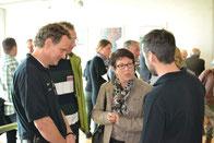 Herr Frädrich und Herr Pixaras (beide Fa. Bitzer) im Gespräch mit Frau Haug