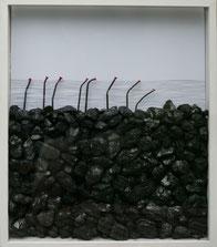 Songlines, 2010, Kohle, Nägel, Bleistift auf Papier, 70 x 56 x 9 cm