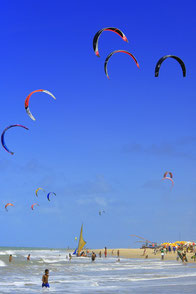 Kitesurfing in Cumbuco ! It´s Paradise in Brazil !