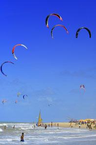 Kitesurfing in Cumbuco ! It´s Paradise in Brazil !