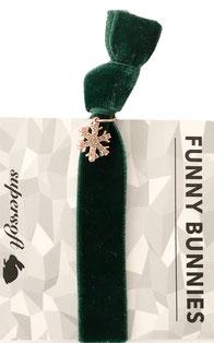 1 elastisches Samt Armband mit Anhänger Velvet Snowflake green
