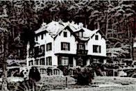 Modiano - Jouy en Josas - Cour de la Confédération