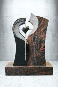 Grabstein mit Edelstahl Kreuz und Herz