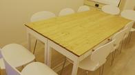 テーブルを囲むスタイル