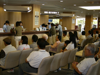 とある病院の待合室