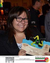 Elisa Martorana con il riconoscimento Comunicazione Artistica 2012